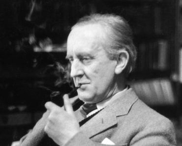 Top 10 Books by J.R.R. Tolkien