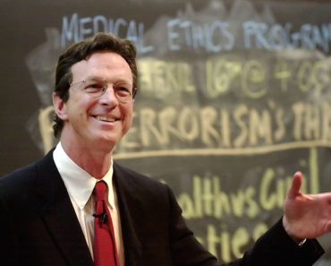 Top 10 Books by Michael Crichton