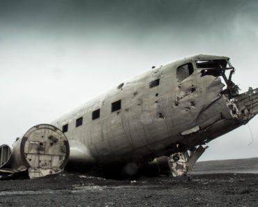 Top 10 Plane Crash Books