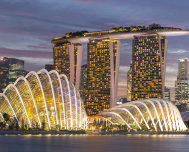 Top 10 Books on Singapore
