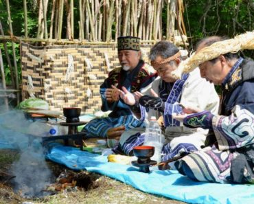 Top 10 Books on The Ainu