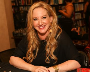 Top 10 Books by Leigh Bardugo