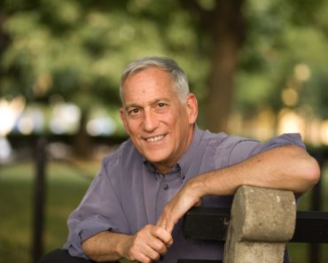 Top 10 Books by Walter Isaacson